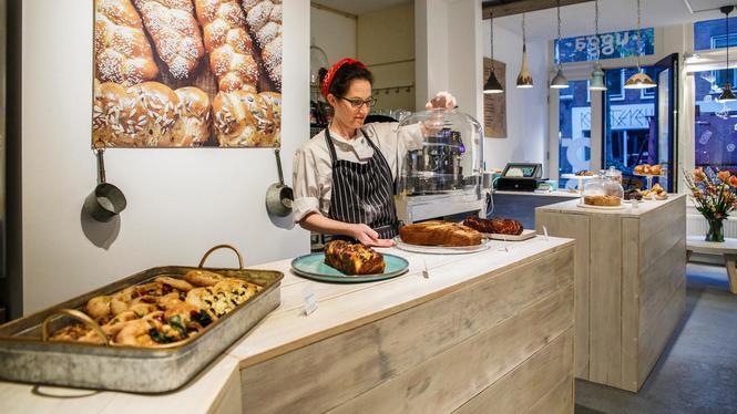 Open, Ugga Urban Bakery  Adres: Gerard Doustraat 103